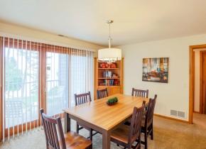 Dining Room of Luxury Three Bedroom Vacation Rental at Door County Hotel