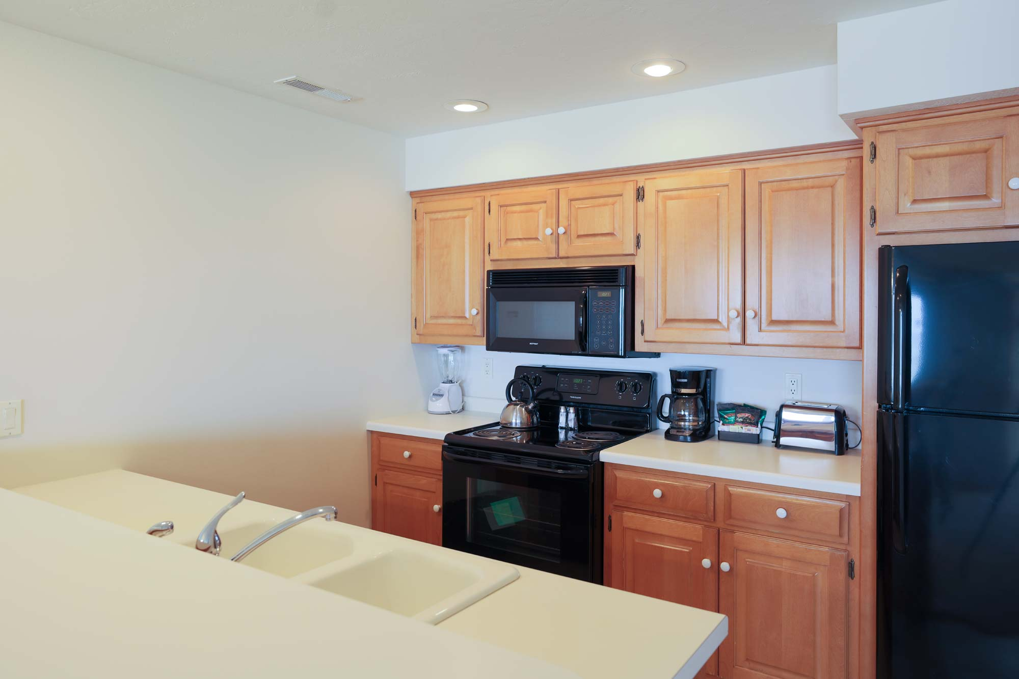 Kitchen of 3 Bedroom Resort Suite at Door County Hotel Glidden Lodge