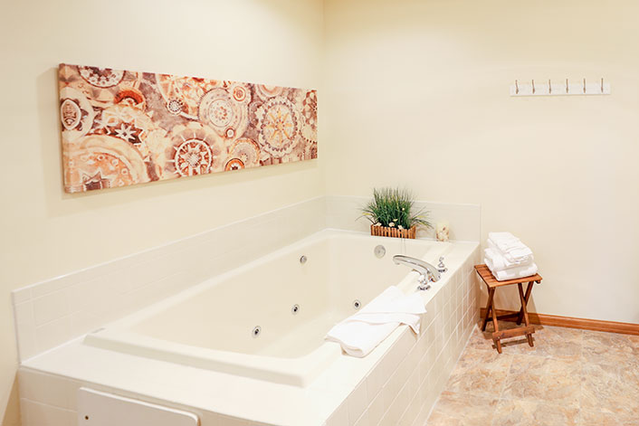 Spa Jacuzzi Tub to Enjoy During Winter Getaway Vacation in Door County, WI