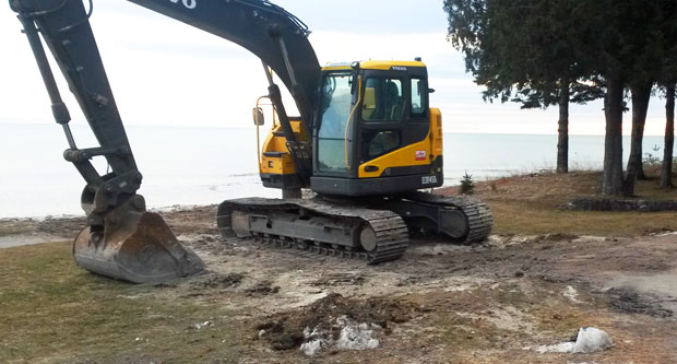 Door County Hotel Dock Removal on the Beach