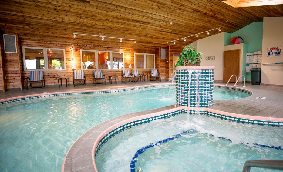 Door County Resort: Indoor Pool, Hot Tub, Sauna, Fitness Center, Tennis Court